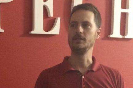 Sébastien Marcelle, militant du journal papier
